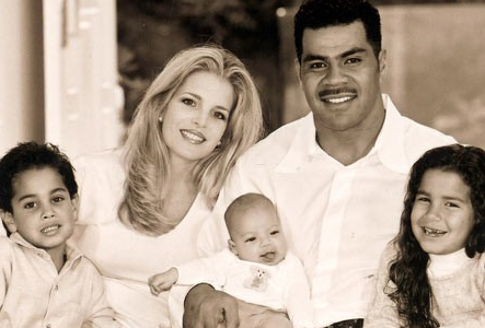 Seau Family  (family photo)