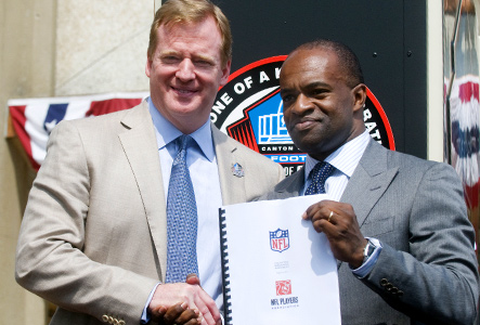 Roger Goodell and Demaurice Smith with CBA in 2011